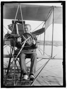 Ellysoon testing a seaplane on the Potomac River in 1911 (Photo: Library of Congress)