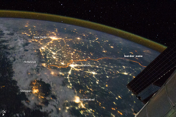http://blogs.smithsonianmag.com/smartnews/files/2012/07/07_31_2012_india-blackout.jpg