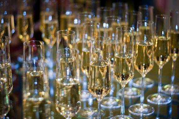 How to Avoid Getting Scammed on New Year's Eve Champagne | Smart ...
