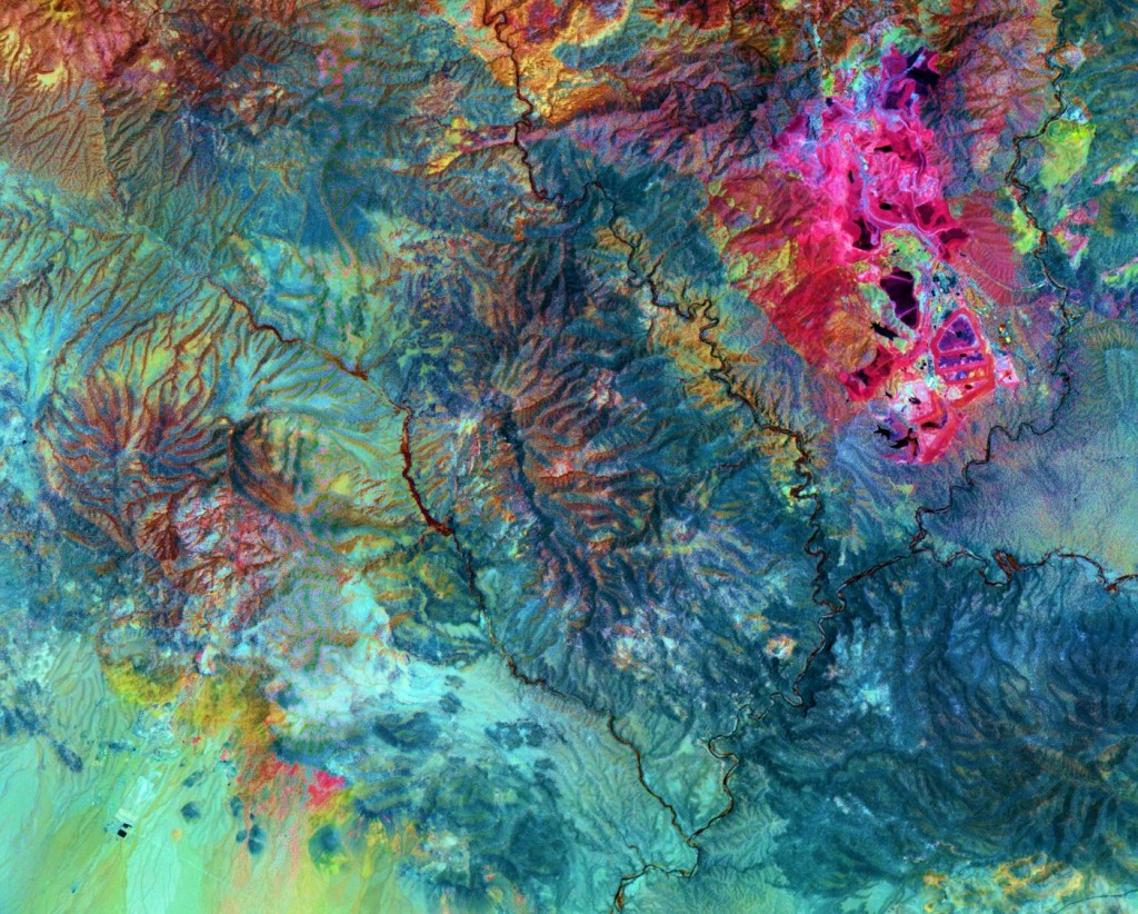 ASTER image of Morenci open-pit copper mine in southeast Arizona (credit: NASA)