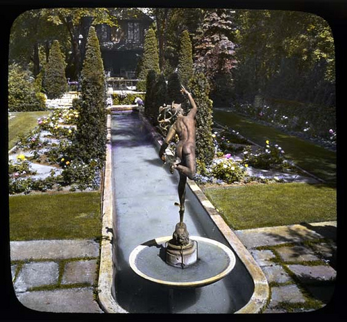 This garden was planted by Rose Standish Nichols and is styled after Generalife gardens in Granada. The garden is called the House of the Four Winds and is located in Lake Forest, Illinois. The garden was on tour for the Garden Club of America Annual Meeting in 1919. Photo courtesy of the Archives of American Gardens.
