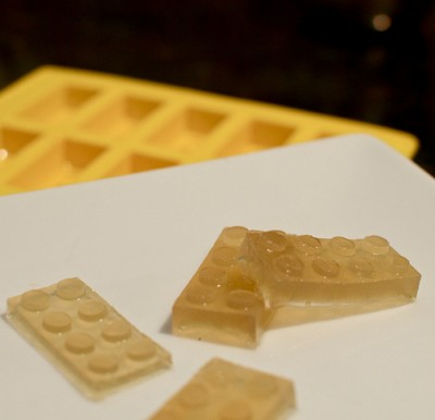 Cognac gel in the shape of lego pieces, courtesy of www.cookingforgeeks.com
