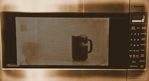 Why Microwaving Water for Tea Is a Bad Idea | Smart News