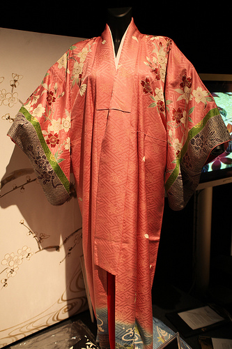 Kimonos come in various patterns. Photo courtesy of flickr user br1dotcom.
