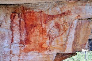 Photo of Genyornis rock painting, courtesy Ben Gunn