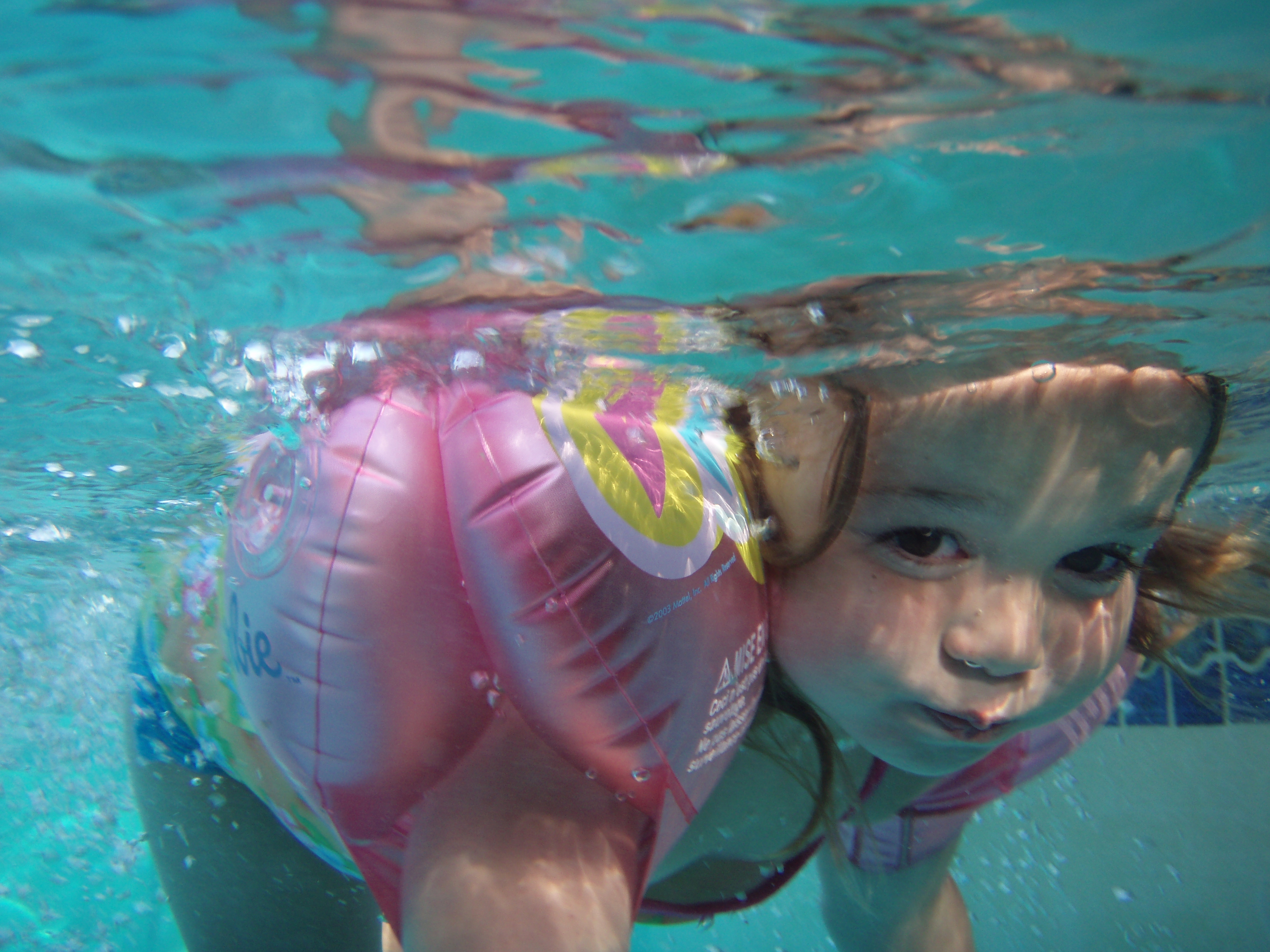 Most adults don t recognize a drowning child smart news smithsonian for How many children die in swimming pools