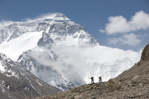 """The Wildest Dream"" tells the parallel stories of George Mallory and Sandy Irvine's 1924 pursuit of Everest and Conrad Anker and TK's 2007 expedition via the same route. Photo courtesy of National Geographic Entertainment."