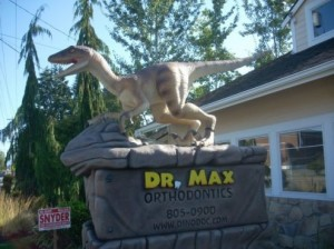 A photo of the dinosaur outside the office of orthodontist Dr. Max. Sent in by reader Jason Brunet.