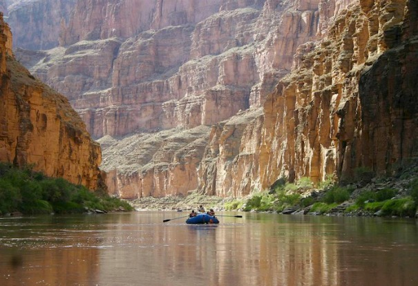 River Rafting through the Grand-Canyon