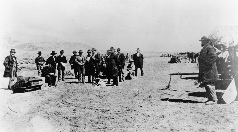 http://blogs.smithsonianmag.com/history/files/2012/02/John_D._Lee_pre-execution_photo.png