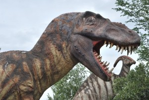 Sculptures of Tyrannosaurus (foreground) and Parasaurolophus (background) at the George S. Eccles Dinosaur Park.