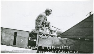Latham in New York in 1910 (NASM Photo SI 80-12307-B)
