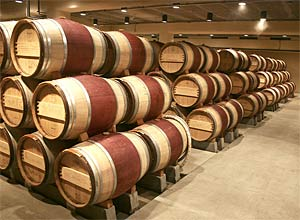 Fewer wines wind up in barrels than you might think. Image: Wikipedia