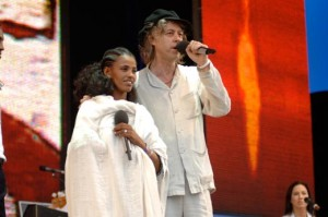 Bob Geldof with Birhan Woldu at Live 8 in London on July 2, 2005