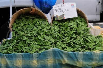 Fresh lima beans at a farmers market, courtesy of Flickr user Ed Yourdon