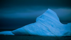 Despite common wisdom saying otherwise, melting icebergs do contribute something to sea level rise (courtesy of flickr user winkyintheuk)