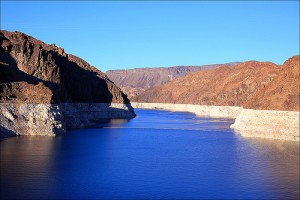 "A ""bathtub ring"" is left around Lake Mead, a Colorado River reservoir, as water levels fall (courtesy of flickr user loop_oh)"