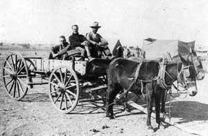 "Capt. Foulois and Lt. Carberry, picked up by wagon ""after their aeroplane had fallen 1500 feet"""