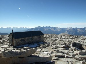 Mt. Whitney Hut. Courtesy of Flickr user American Sherpa