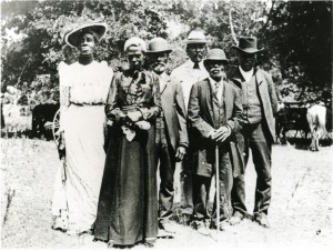Official Juneteenth Committee, East Woods Park, Austin, Texas, June 19, 1900. Courtesy Austin History Center, Austin Public Library.