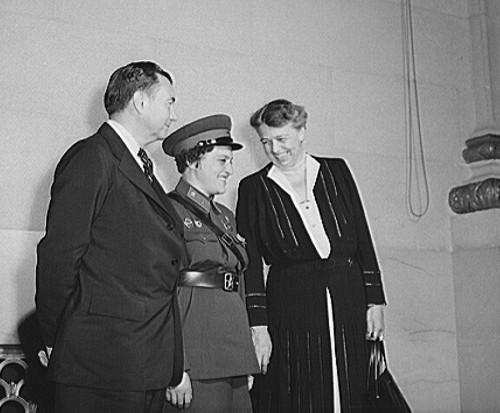 Eleanor roosevelt and the soviet sniper history smithsonian justice robert jackson lyudmila pavlichenko and eleanor roosevelt in 1942 photo library of congress sciox Image collections