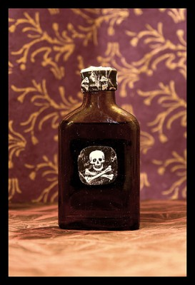 Bottle of poison, courtesy of Flickr user ˙Cаvin 〄.