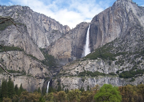 View of Yosemite's Upper and Lower Falls. Photo: April Dennard, Smithsonian Magazine Photo Contest