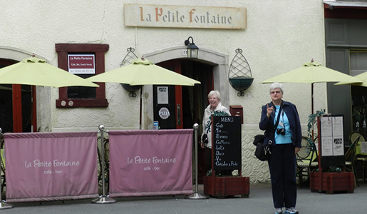 Smithsonian travelers arrive at La Petite Fontaine in Le Dorat. Photo courtesy of John Sweets.