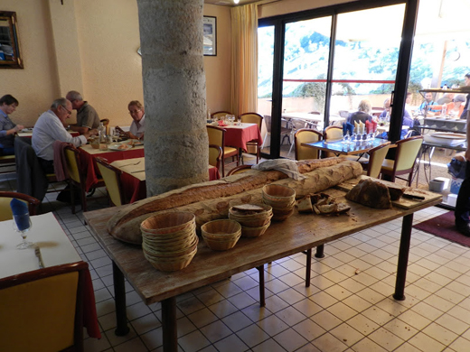 Huge_loaf_of_bread_in_Rocamadour