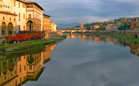 A view of Florence's Uffizi Gallery, along the banks of the Arno. Photo: Ben Crochet, Smithsonian Magazine Photo Contest