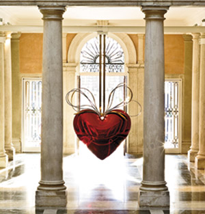 Hanging Heart, Jeff Koons, as displayed at the Palazzo Grassi during the 2007 Venice Biennale.