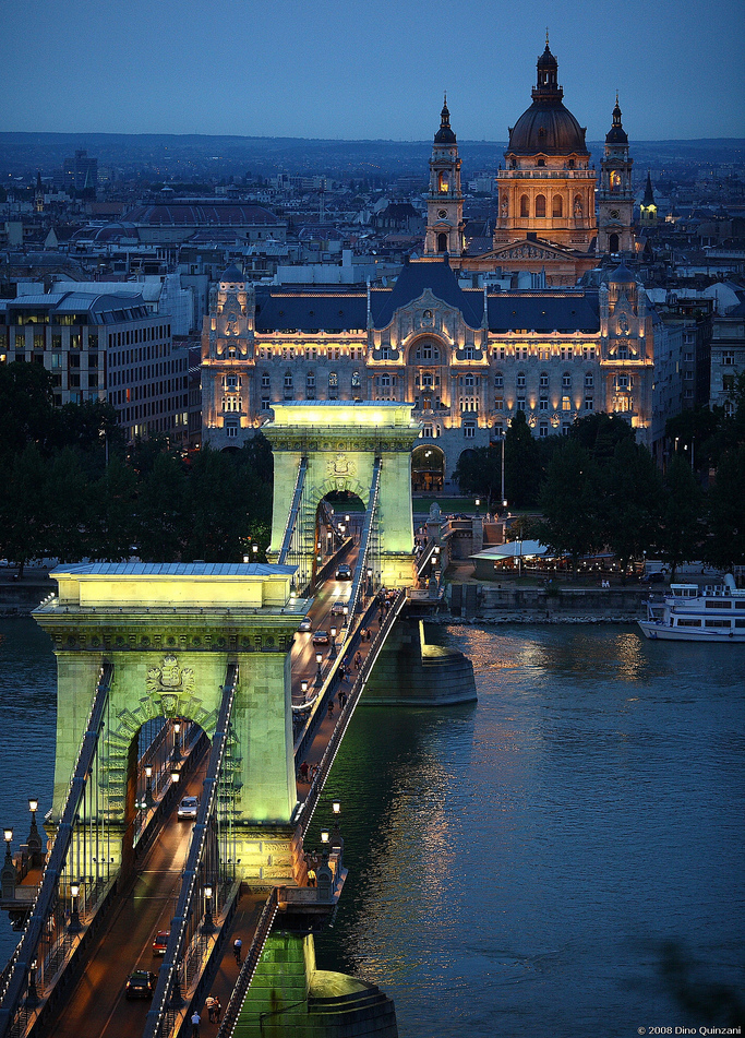 The Széchenyi Chain Bridge, opened in 1849, spans the Danube between Buda and Pest. Photo: Flickr user Il conte di Luna.